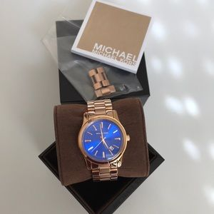 AUTHENTIC WOMENS MICHAEL KORS WATCH EXCELLENT COND
